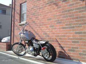 レンガとバイク